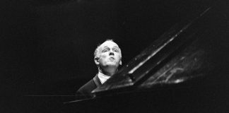 Szvjatoszlav Richter zongoraművész vendégszereplése 1965. július 17-én az Erkel Színházban - forrás: Fortepan, adományozó: Szalay Zoltán