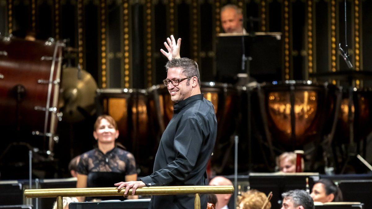 """Daniel Boico: """"Készen állok, hogy megbecsültebbé tegyük a MÁV Szimfonikusokat"""""""