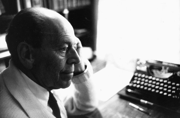 108 éve született Örkény István, aki világéletében írónak készült
