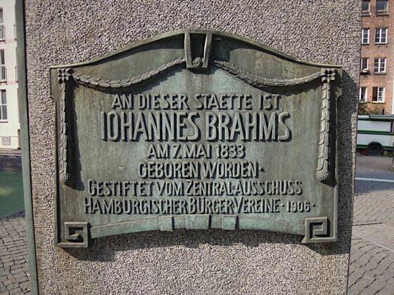 Brahms-emlékmű a szülőház helyén - forrás: ndr.de