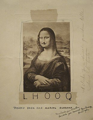 Marcel Duchamp: L.H.O.O.Q. (az eredeti 1919-es példány) – forrás: Wikipedia