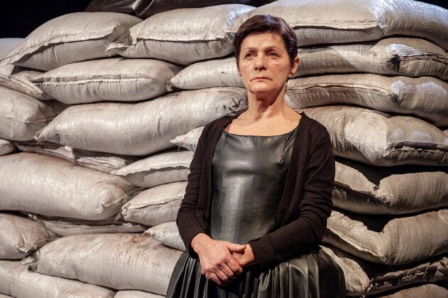 Helen Edmundson: Irtás – fotó: Jekken Péter