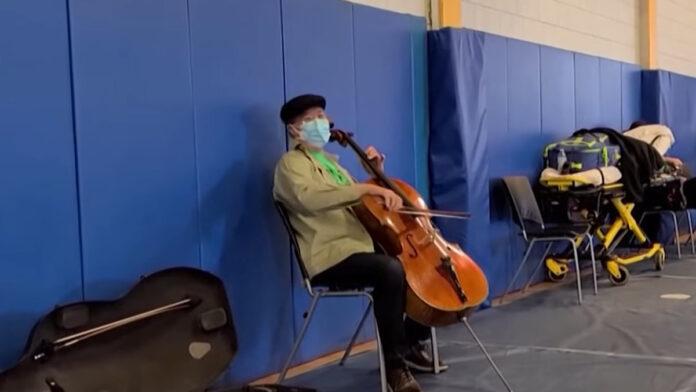 Yo-Yo Ma rögtönzött koncertje - forrás: Youtube