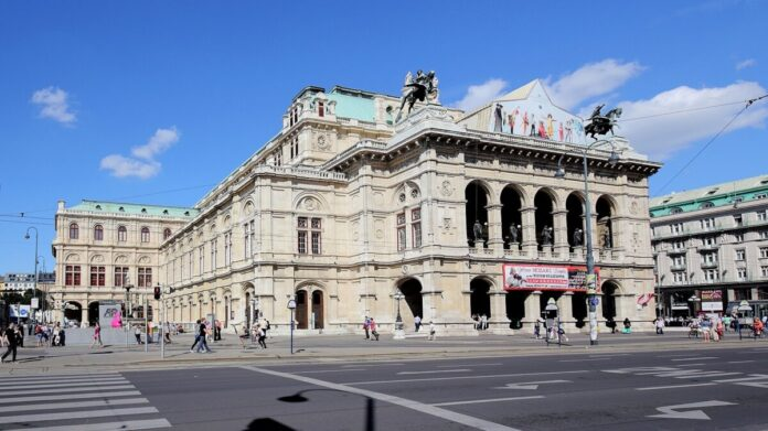 Bécsi Állami Operaház - forrás: wikipedia - Bwag