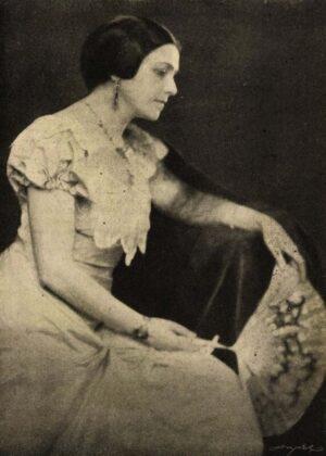 Varsányi Irén, mint Ranyevszkaja, Cseresznyéskert, Vígszínház, 1924. Forrás: Színházi Élet, 1924/ 38. 7. Arcanum