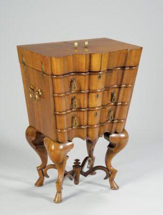 Illatszeres szekrényke - Magyarország - 1923-25 - IM