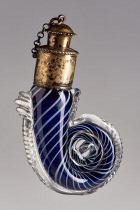 Illatszeres üveg dugóval - Itália - IM