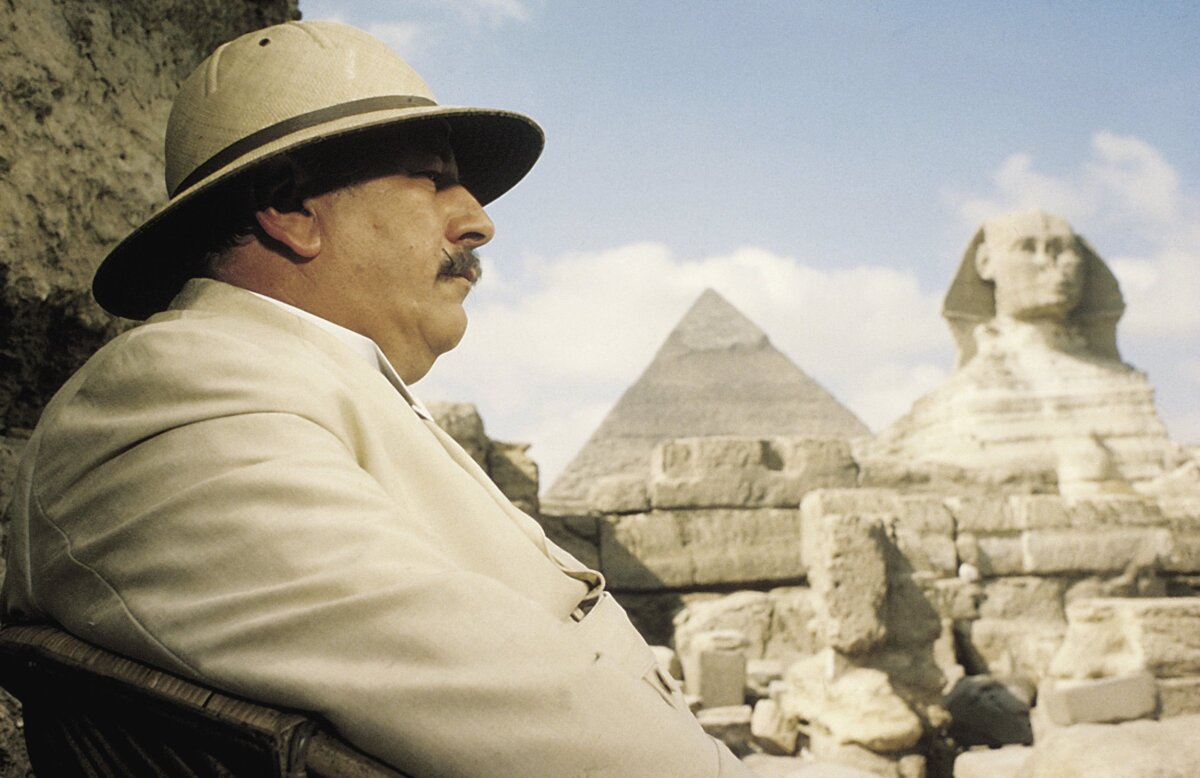 Peter Ustinov mint Poirot - forrás: port.hu