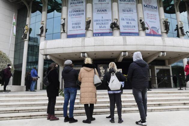 Törőcsik Marira emlékeznek a Nemzeti Színháznál MTI/Koszticsák Szilárd