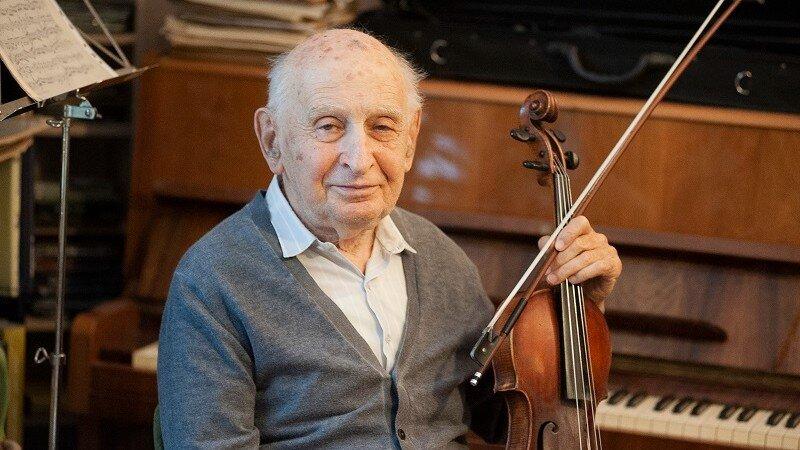 """Konrád György: """"Én hegedűs vagyok, akinek jól áll a brácsázás is"""""""