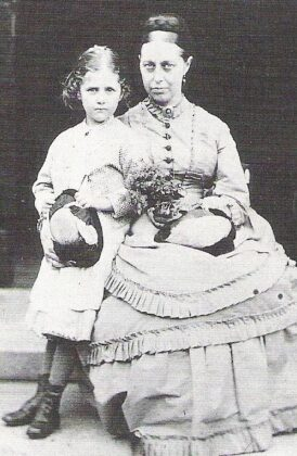 Beatrix és édesanyja, Helen Potter