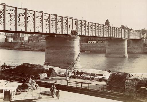 A híd egy pár évvel későbbi fotón – forrás: arles-architecte.fr