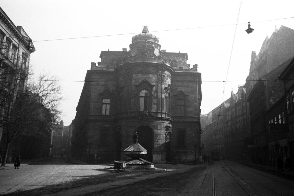 Wenckheim-palota, a Fővárosi Szabó Ervin Könyvtár központi épülete. 1938-ban - forrás:Fortepan / Chuckyeager tumblr