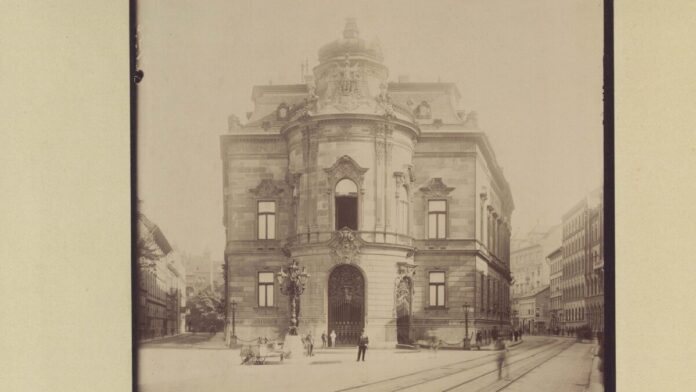 Wenckheim-palota (ma a Fővárosi Szabó Ervin Könyvtár központi épülete). 1910-ben - forrás: Fortepan / Budapest Főváros Levéltára / Klösz György fényképei