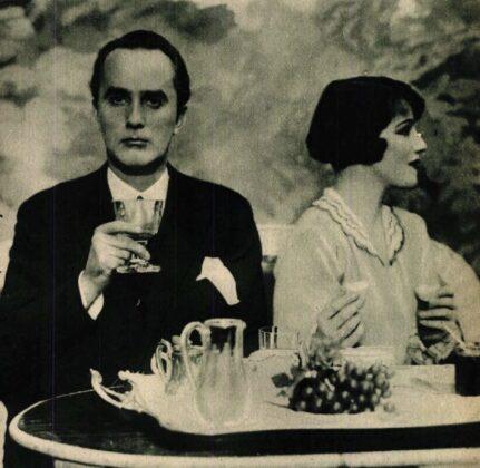 Bajor Gizi és Uray Tivadar a Hajnalban, délben, este című előadáson (1929) Forrás: Színházi Élet, 1929/ 42. 17. (ADT)