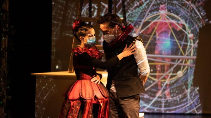 Az ember tragédiája a Kolibri Színházban - fotó: Albert Kinga
