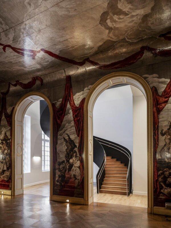 Salle de bal Wendel, vue sur l'escalier monumental © Cyrille Weiner
