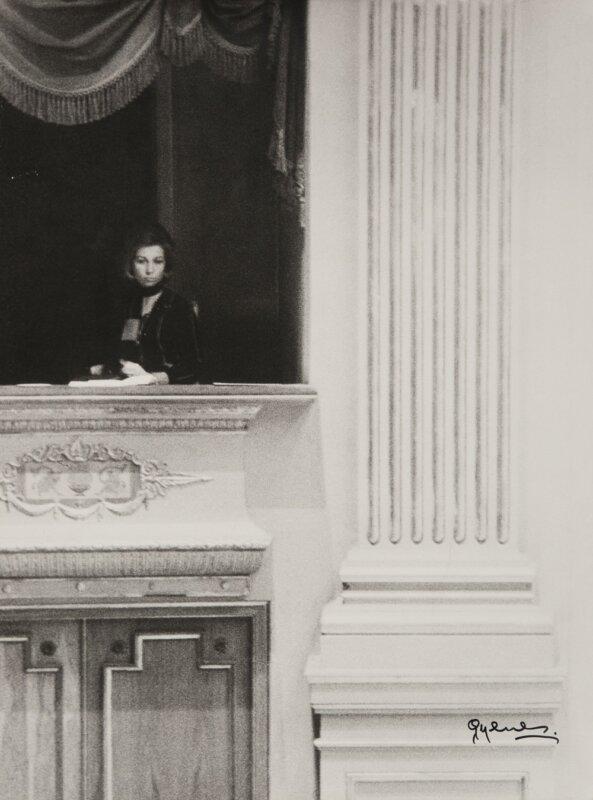 Juan Gyenes: Sofía hercegnő a Teatro Real egyik páholyában 1975 május 30-án. - Forrás: Biblioteca Nacional de España