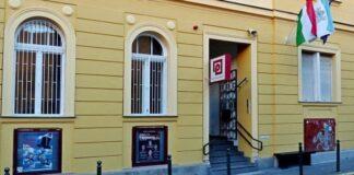 Pinceszínház bejárata - színház oldala