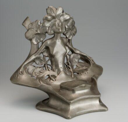 Tintatartó üvegbetéttel (1899, Párizs) - forrás: Iparművészeti Múzeum
