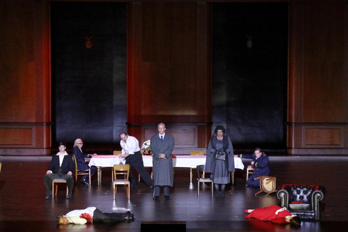 Az opera zárójelenete - fotó: Wilfried Hösl