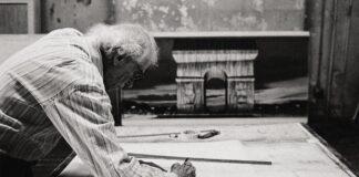 Christo a Diadalív-projekt tervein dolgozik – forrás: Sotheby's