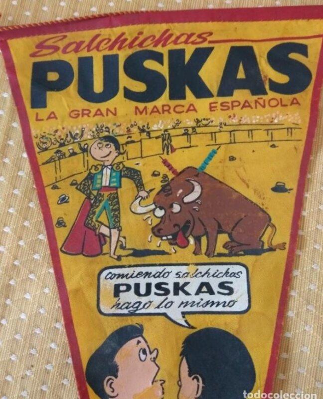 A Salchichas Puskás reklámzászlaja bikaviadal jelenettel - Forrás: todocollecion.net