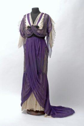 Estélyi ruha, 1905 Maison Sitich Filiale Triest, Vienne - forrás: IMM