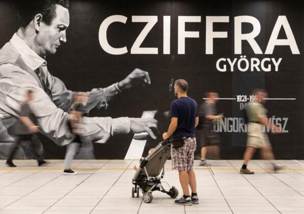 Cziffra-graCziffra-graffiti a Batthyány téren - fotó: Berta Hajnalkaffiti a Batthyány téren -Fotó: Neopaint/Asszonyi Eszter