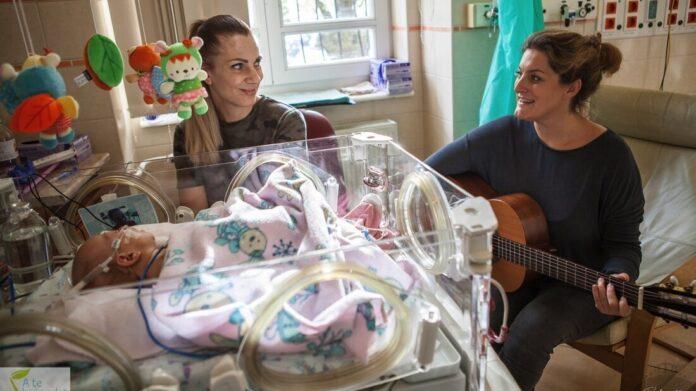 , a Te hangodat ismerem kapcsolatfókuszú perinatális zenei program - forrás: The Budapester