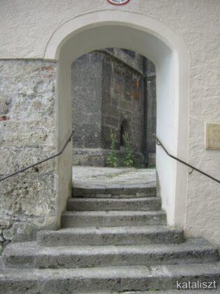 A zárda bejárata - fotó: Kocsis Katalin / Kataliszt