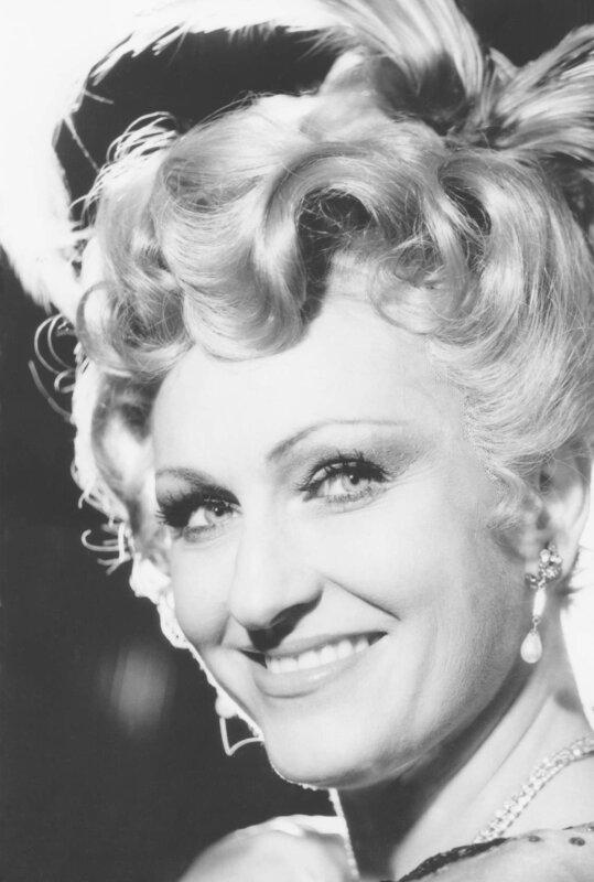 Kálmán: Marica grófnő – Címszerep – Graz – 1981 -forrás: FSZEK Zenei Gyűjtemény