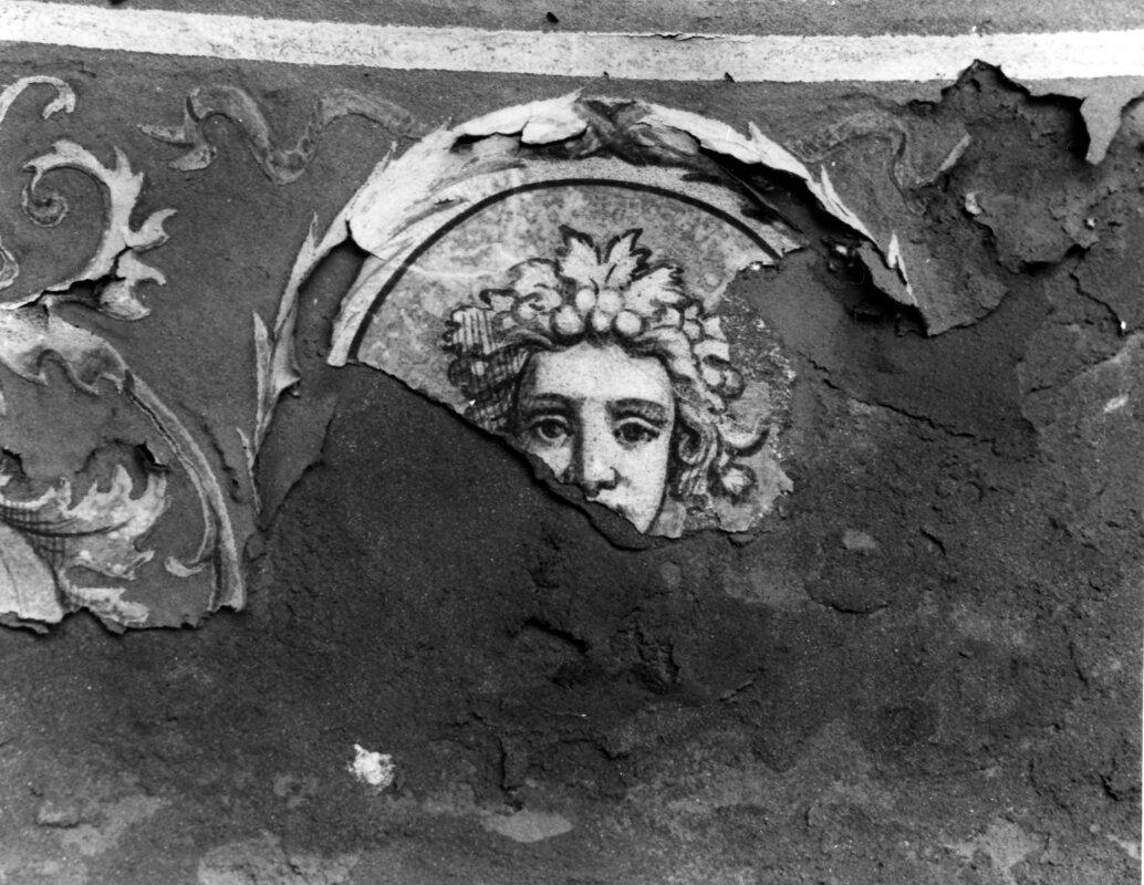 Várkert Bazár, a déli pavilon sérült sgraffito-ja. 1960 - forrás: Fortepan / Budapest Főváros Levéltára / Városrendezési és Építészeti Osztályának fényképei
