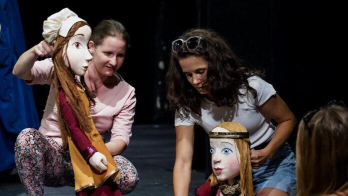 A Rózsakirálylány című előadás próbája – forrás: Kolibri Színház