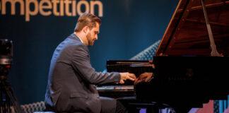 a 15. Liszt Ferenc Nemzetközi Zongoraverseny egyik indulója - forrás: a 15. Liszt Ferenc Nemzetközi Zongoraverseny