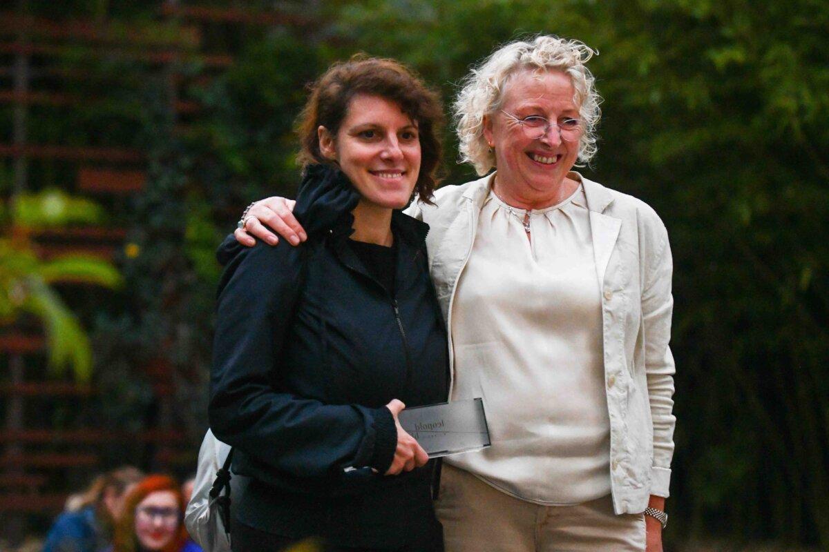 Mary McLoughlin és Szabó Eszter Szabó Eszter - forrás: a Leopold Bloom Díj hivatalos oldala