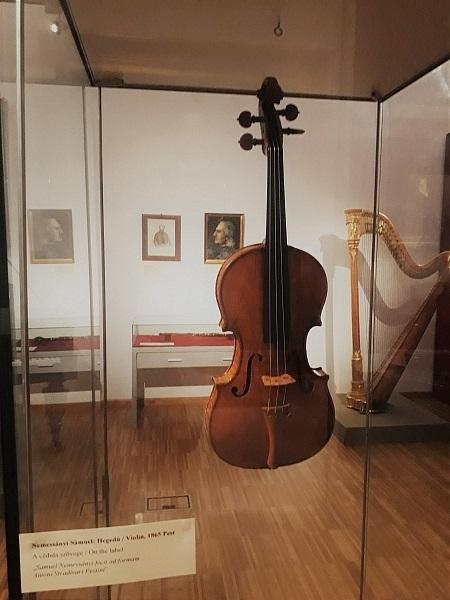 Nemessányi Sámuel, a magyar Stradivarius hangszerei - forrás: Múzeumok Őszi Fesztiválja